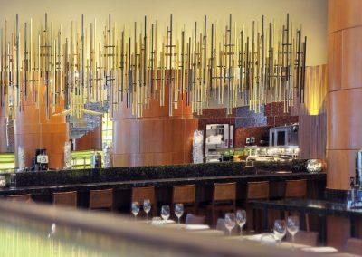 Instalacja-artystyczna,-rzezba-wykonana-na-zamowienie-wg-pomyslu-projektanta,-Hotel-Westin,-Warszawa