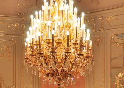 1 Custom gold plated cristal chandelier