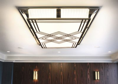 19 Tailor made light fitting