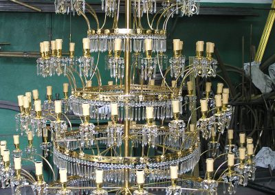 2 Cristal chandelier during the recostruction works