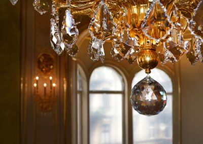 2 Gold plated glass with Svarovski cristals