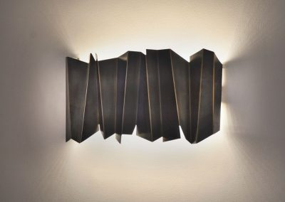 25 Artistic brass wall light