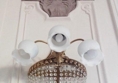 4 Brass wall lights with cristals adn glass custom shades