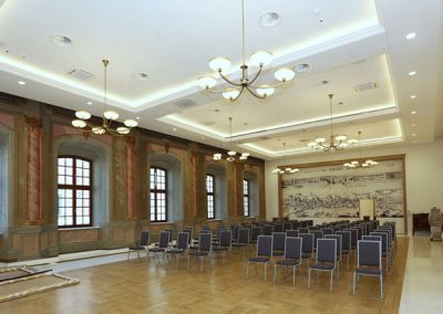 4 Chandeliers and brackets for conference hall