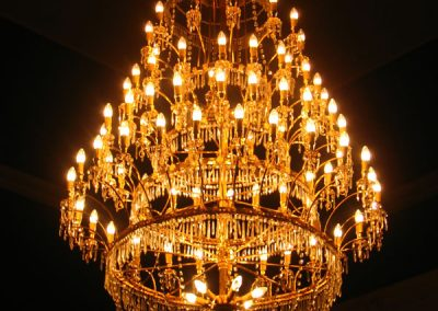 4 Illuminated restorated cristal chandelier