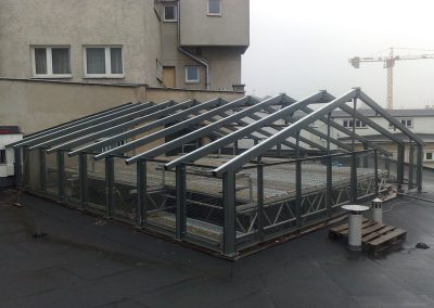 5 Custom construction of a steel roof structure