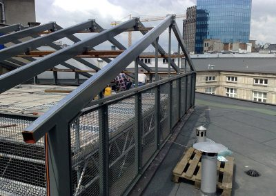 6 Tailor-made construction of a steel roof structure