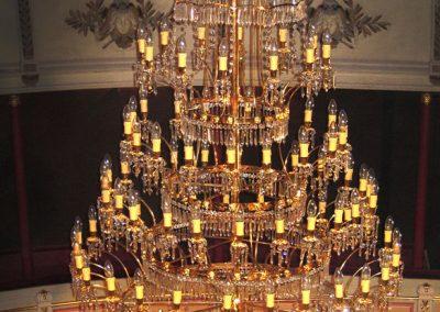 1 Brass cristal chandelier recinstruction