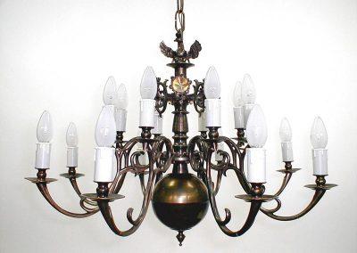 2 Classic bras chandelier