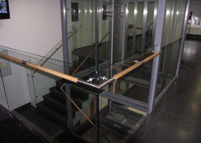 Balustrada-stalowo-szklana_khgska