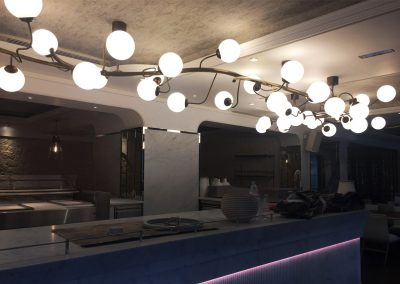 4-Mosiezne-oswietlenie-wykonane-i-dostosowane-do-potrzeb-Klienta.-mosiadz,-szklo,-LED.
